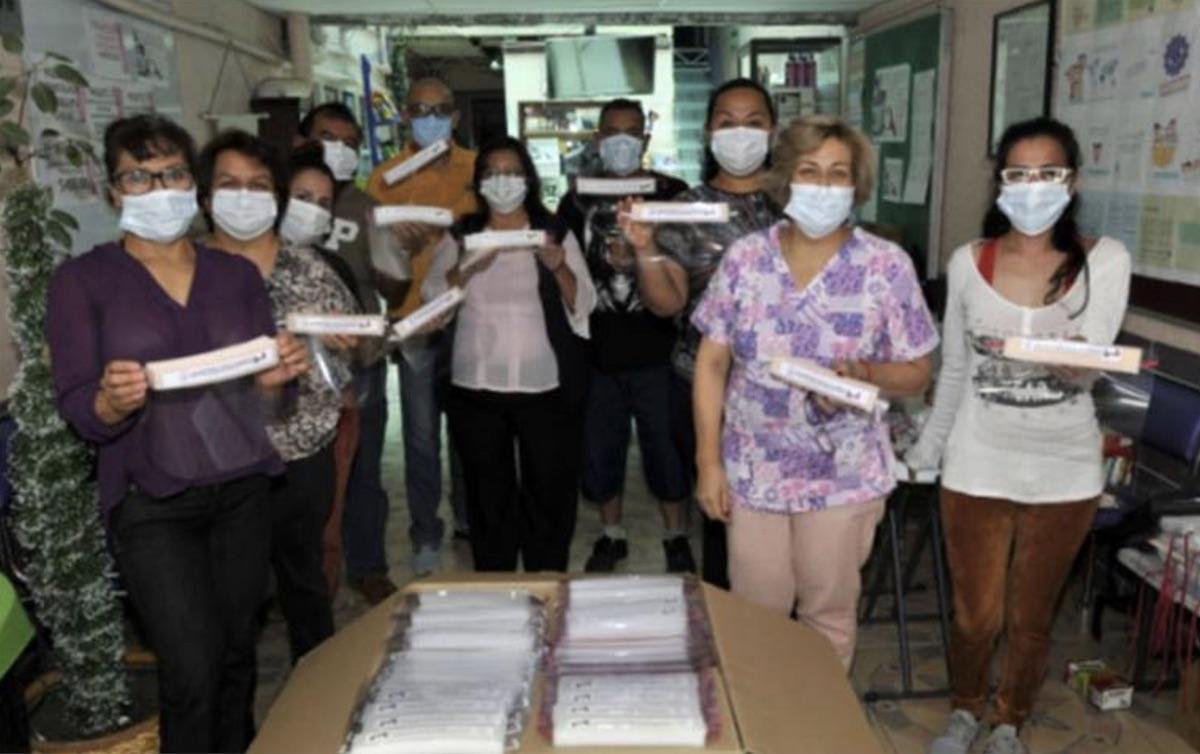 Asbis está produciendo caretas de acetato para donar a hospitales